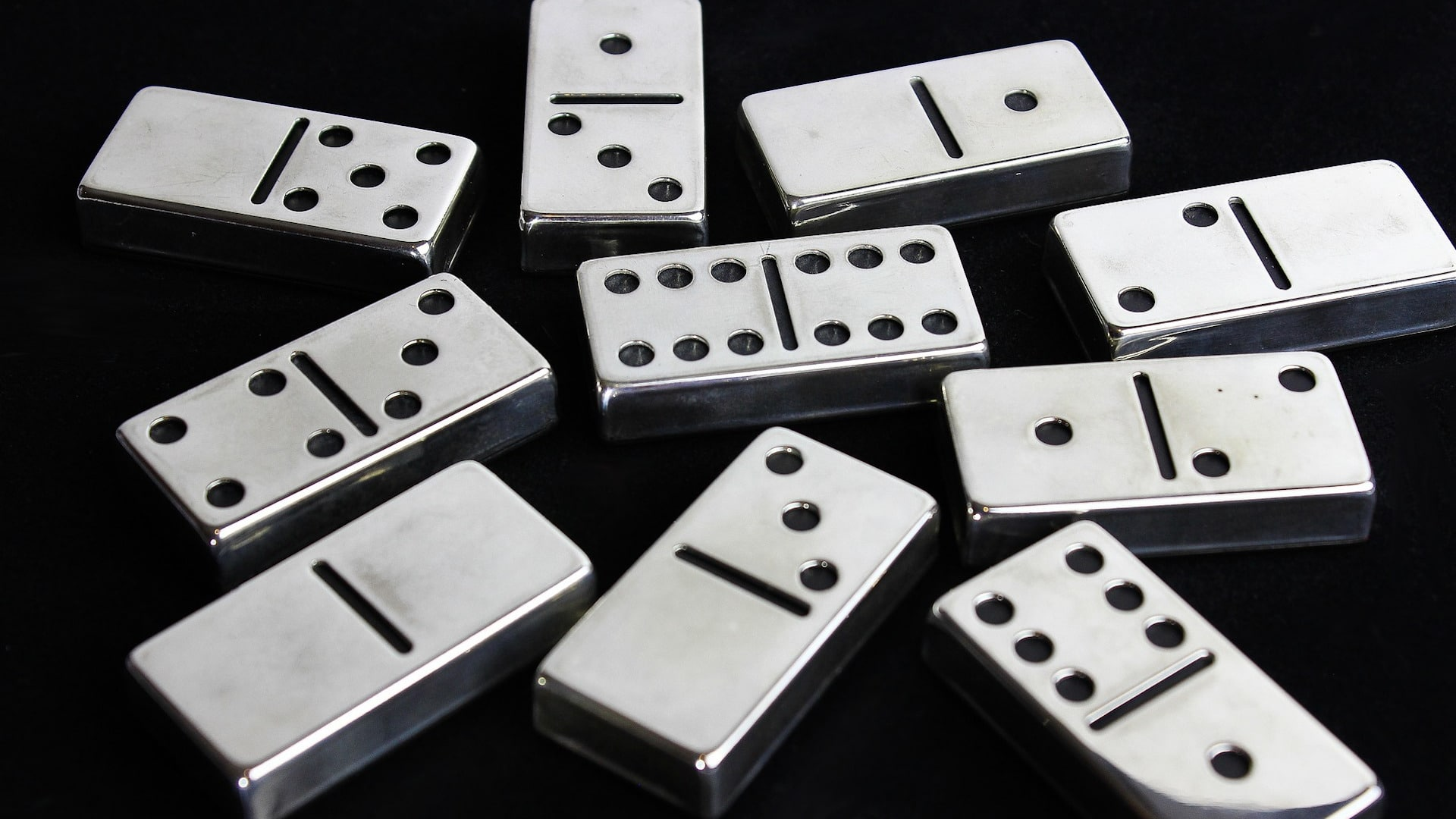 DOMINOES Game Rules and How to Play Guide
