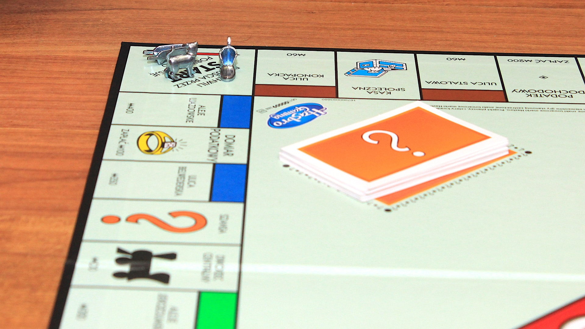 How to play Monopoly?