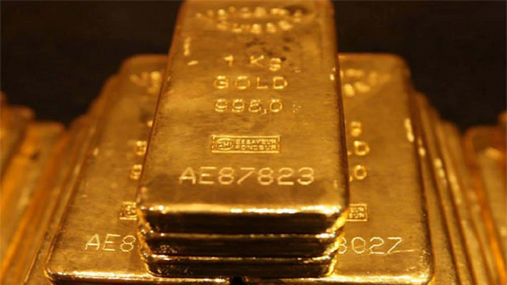 Does the gold price rise during the world economic recession?