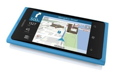 Nokia Lumia 800 VS iPhone 4 In Navigation 2