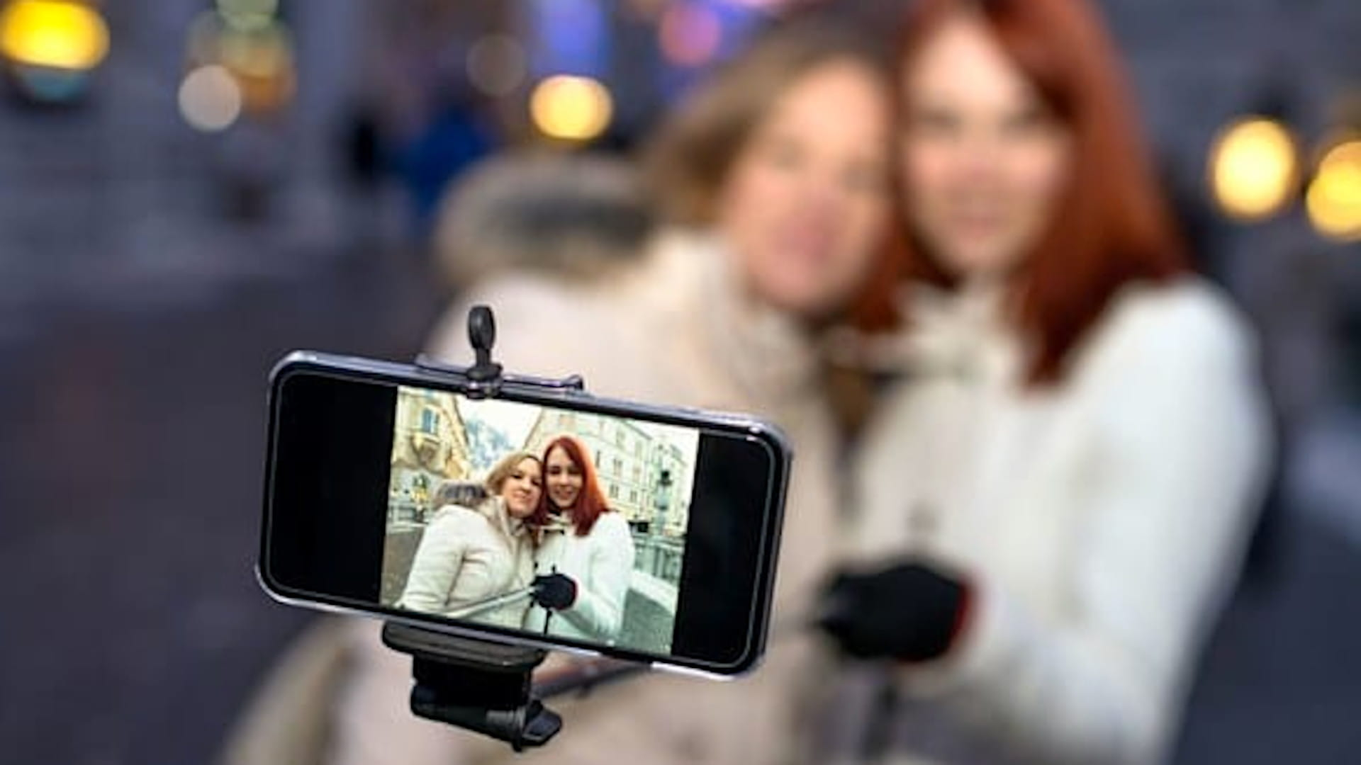 5 Reasons Why You Need a Selfie Stick