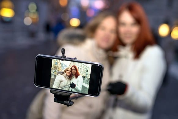 5 Reasons Why You Need a Selfie Stick 2