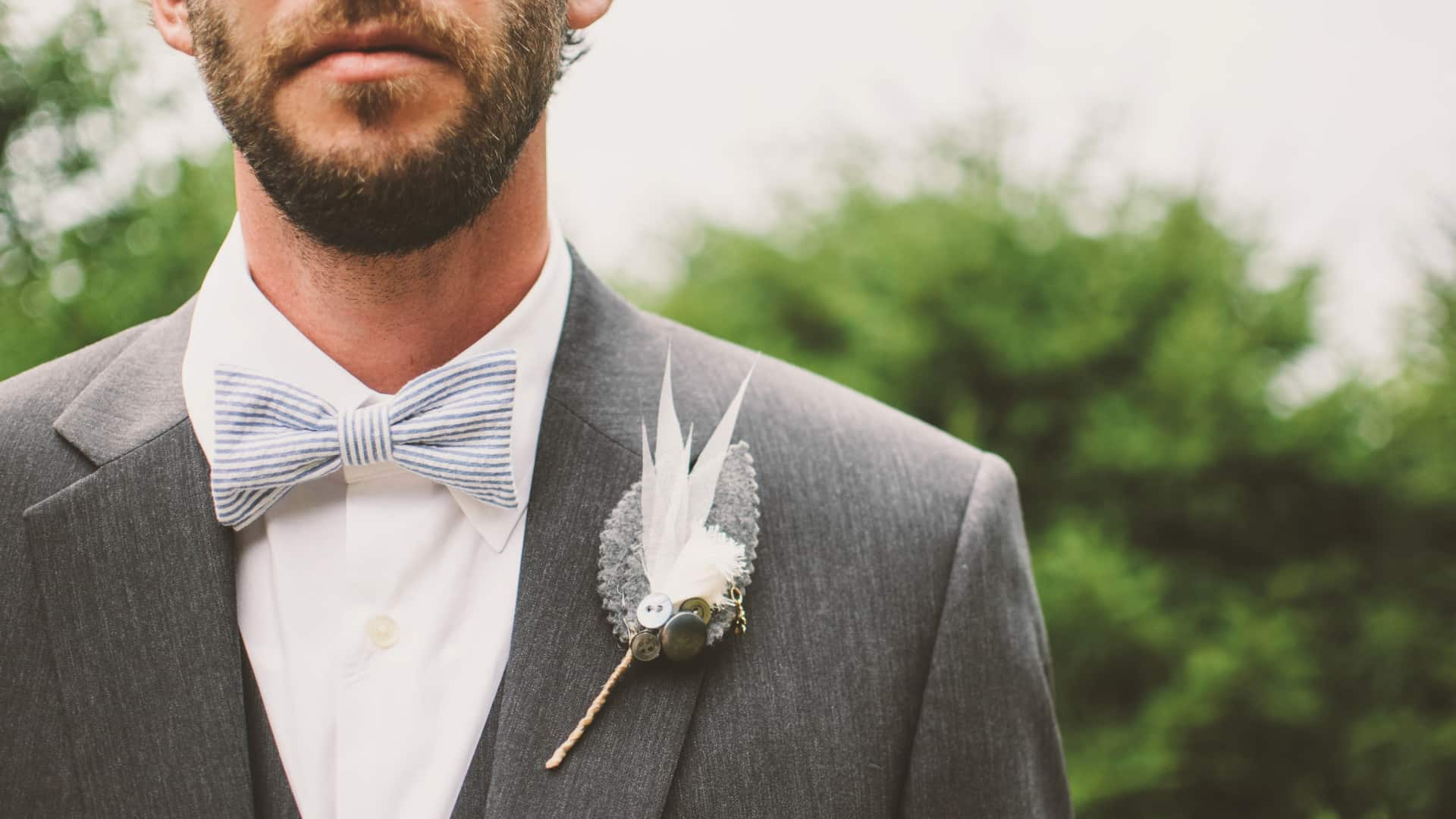 7 Decorations for the Groom's Lapel