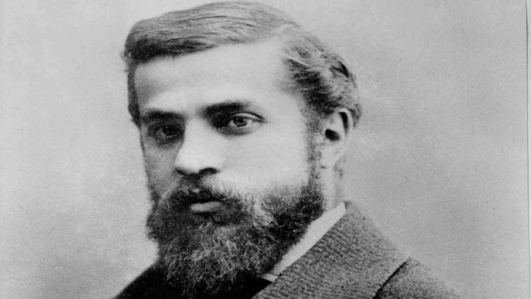 Read more about the article Anthony (Antoni) Gaudi Biography in Short