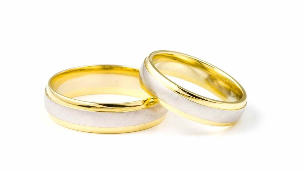 Why People Still Wear Wedding Rings Today 2